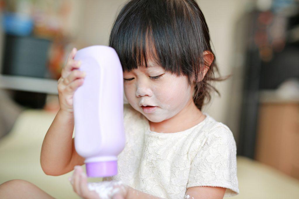 Talcum powder- California Bans Carcinogenic Cosmetics - The Content Spa